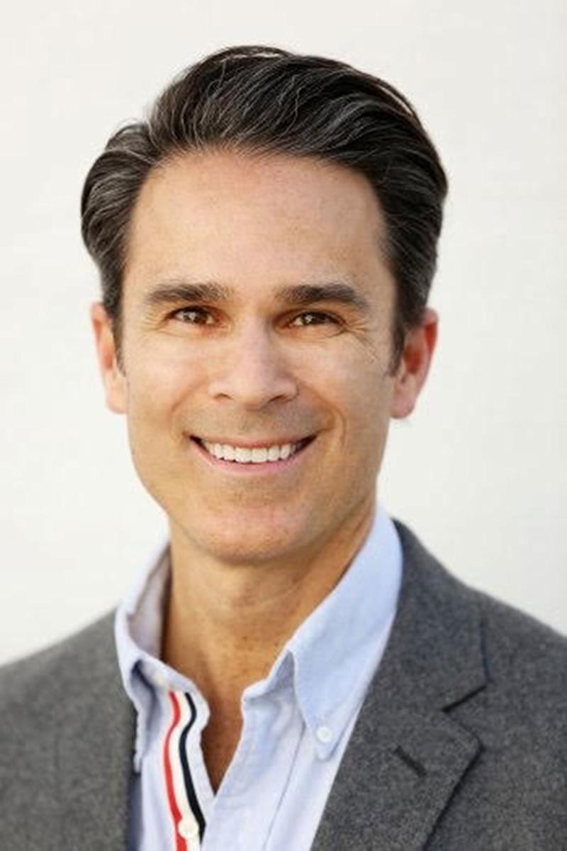 Humorist Gary Janetti to publish book of essays in 2019