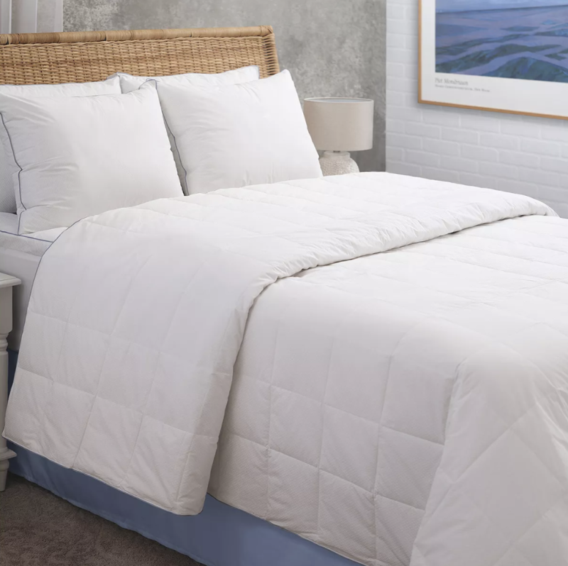 Allied Home PerfectCool Thermoregulating Blanket. (Photo: Target)
