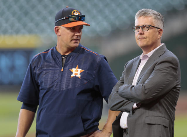 """<a class=""""link rapid-noclick-resp"""" href=""""/mlb/teams/houston/"""" data-ylk=""""slk:Houston Astros"""">Houston Astros</a> manager A.J. Hinch general manager Jeff Luhnow will likely be at the center of MLB's investigation into sign-stealing. (Photo by Bob Levey/Getty Images)"""
