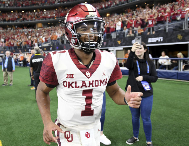"<a class=""link rapid-noclick-resp"" href=""/ncaaf/players/255122/"" data-ylk=""slk:Kyler Murray"">Kyler Murray</a> has definitely been enjoying himself at Oklahoma this season. (AP)"