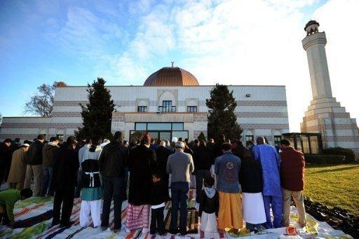 """Muslim devotees take part in a special morning prayer in Silver Spring, Maryland in 2011. Only 25 percent of mosque leaders in 2011 thought """"American society is hostile to Islam,"""" down from more than 50 percent in 2000, according to the US Mosque Survey"""