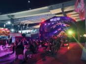 Overview of crowds at Sunset stage. (PHOTO: Yahoo Lifestyle Singapore)