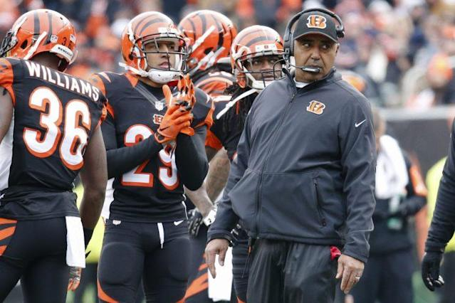 Marvin Lewis' record in the playoffs is 0-7 (AP)