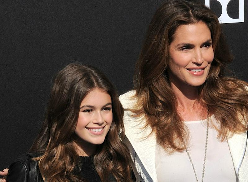 Cindy crawford and her daughter are twinning on the cover of vogue