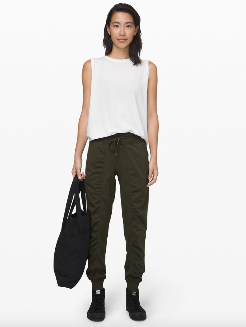 Dance Studio Jogger in dark olive