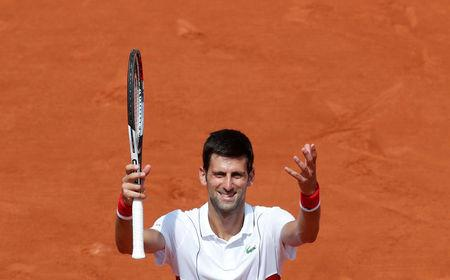 Seeds fall and big names prosper at Roland Garros