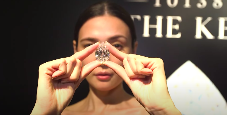 Screengrab: A mystery buyer has purchased an exceedingly rare 101.38-carat diamond in a Sotheby's auction for $12.3m using cryptocurrency  (Bloomberg Markets and Finance)