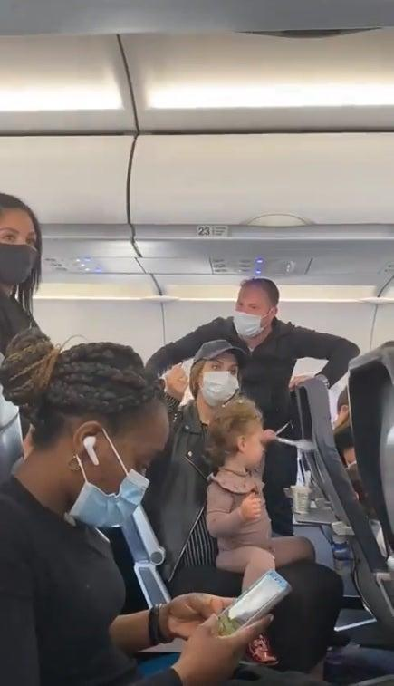 <p>Spirit Airlines deplanes entire flight over dispute on two-year-old toddler not wearing a mask</p> (Screengrab/Twitter)
