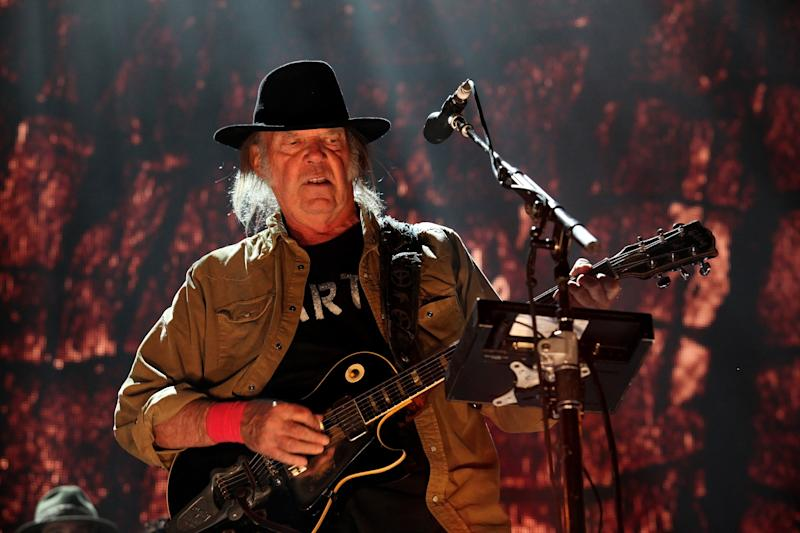 CHICAGO - SEPTEMBER 19: Musician, Singer, Songwriter and Producer Neil Young performs at FirstMerit Bank Pavilion at Northerly Island during 'Farm Aid 30' on September 19, 2015 in Chicago, Illinois. (Photo By Raymond Boyd/Getty Images)