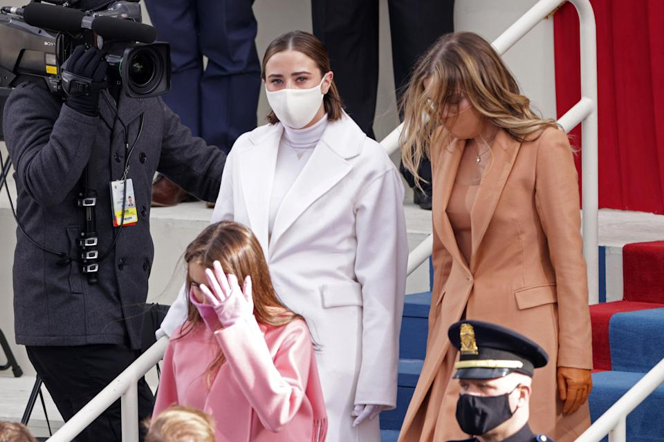 Naomi (left) and Finnegan Biden arrive at the inauguration. Cousin Natalie Biden walks in front of them. (Photo: Alex Wong via Getty Images)