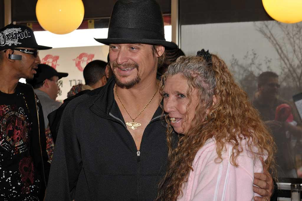 "On Tuesday, Kid Rock caused a stir at a Waffle House. No fists flew this time though. The rocker signed autographs for patrons as a goodwill gesture following a 2007 incident at another of the chain's restaurants where he was charged with battery. Rob Nelson/<a href=""http://www.splashnewsonline.com"" target=""new"">Splash News</a> - March 11, 2008"