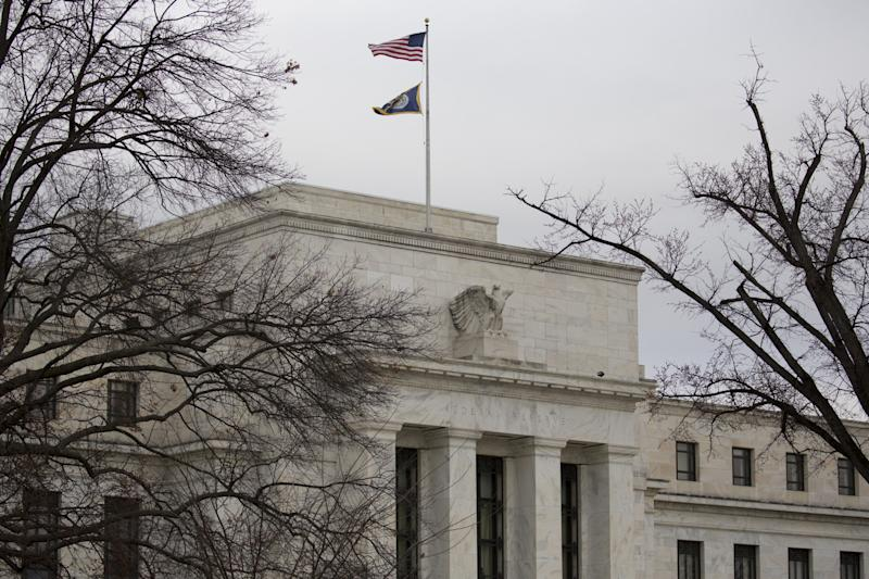 Fed Has Investors 'Scratching Their Heads':Wall Street Reacts