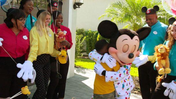 PHOTO: Jermaine Bell is surprised with a Disney vacation on 'Good Morning America' on his birthday after he had helped feed about 100 Hurricane Dorian evacuees in South Carolina. (GMA)