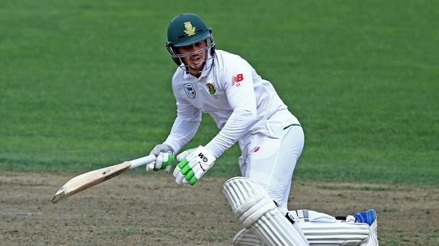 Despite a finger injury, Quinton de Kock showed his quality with the bat to help push South Africa beyond 300 against New Zealand on Sunday.