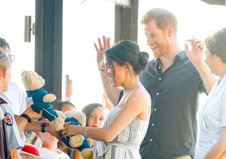 Meghan and Harry are given baby gifts by locals on Fraser Island (Getty)