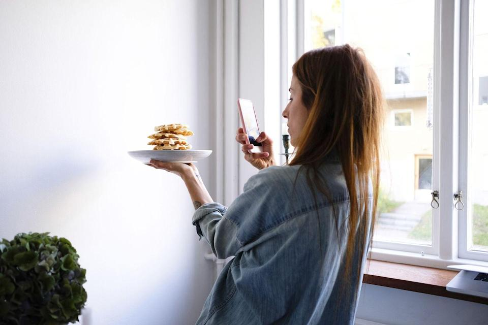 "<p>Are you one of those people who prevents your fellow diners from tucking into their meal before you take a photo? Well, this is the course for you.</p><p>Through these lessons, you'll learn how to create a setting and style for your own food photography, edit your photos and control natural lighting.</p><p>Course: One hour on-demand video, four articles, one downloadable resource, certificate of completion.</p><p>Price: £10.99</p><p><a class=""link rapid-noclick-resp"" href=""https://go.redirectingat.com?id=127X1599956&url=https%3A%2F%2Fwww.udemy.com%2Fcourse%2Ffood-photography%2F&sref=https%3A%2F%2Fwww.elle.com%2Fuk%2Flife-and-culture%2Fculture%2Fg32447368%2Fonline-photography-courses%2F"" rel=""nofollow noopener"" target=""_blank"" data-ylk=""slk:SHOP NOW"">SHOP NOW</a></p>"