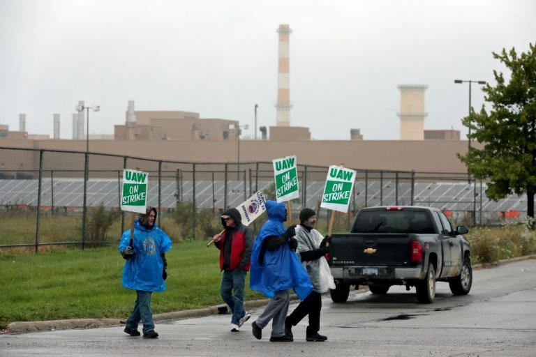 A month-long strike at General Motors may have stymied a recovery in auto output last month (AFP Photo/JEFF KOWALSKY)