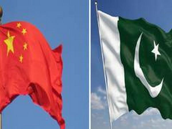 Flags of China and Pakistan