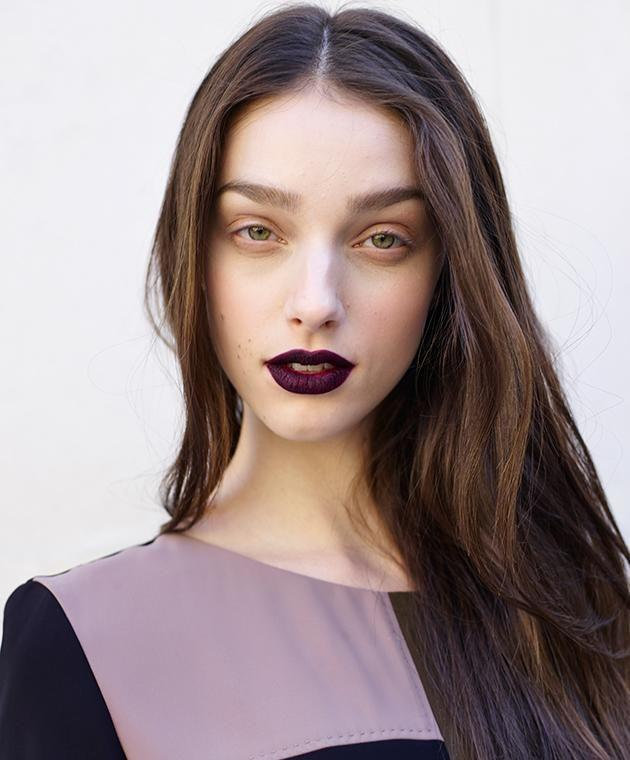 Here's six tips on nailing the dark lipstick look.