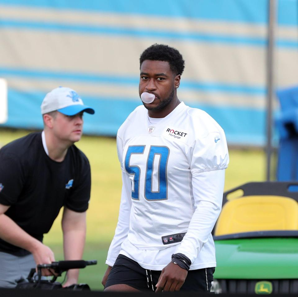 Lions linebacker Shaun Dion Hamilton walks to the field during training camp at the Allen Park facility on Wednesday, July 28, 2021.