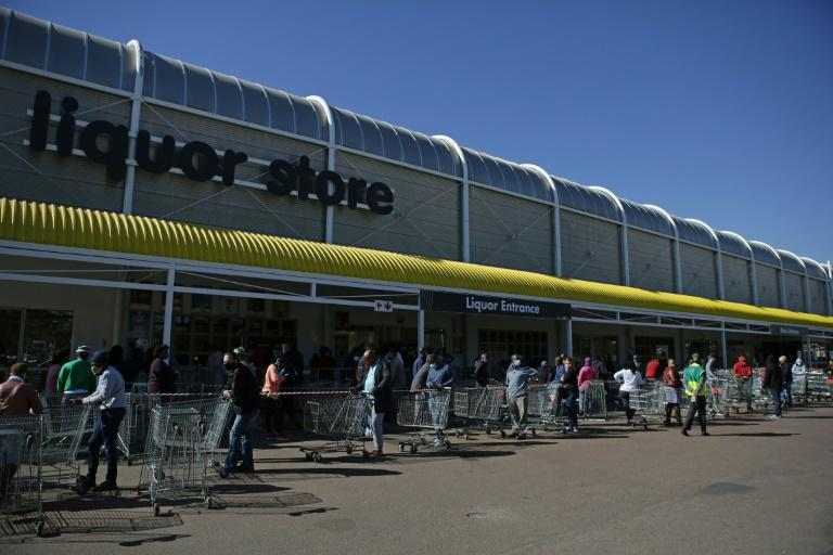 There was a long and thirsty queue outside the Makro Silverlakes Liquor Store in Pretoria as it reopened on Monday