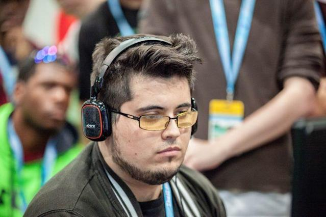"Gonzalo ""ZeRo"" Barrios competing at Evo 2016 (Stephanie Lindgren)"