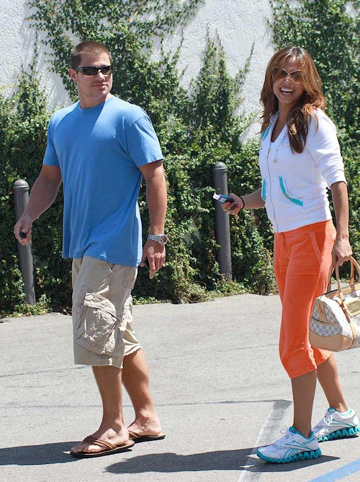 """The <i>National Enquirer</i> says Nick Lachey and Vanessa Minnillo want to have a baby since they believe it's their """"ticket to their own reality show!"""" <a href=""""http://www.gossipcop.com/nick-lachey-vanessa-minnillo-pregnant-pregnancy-reality-show/"""" target=""""new"""">Gossip Cop</a> has both show and baby news! MVP/<a href=""""http://www.x17online.com"""" target=""""new"""">X17 Online</a> - June 5, 2010"""