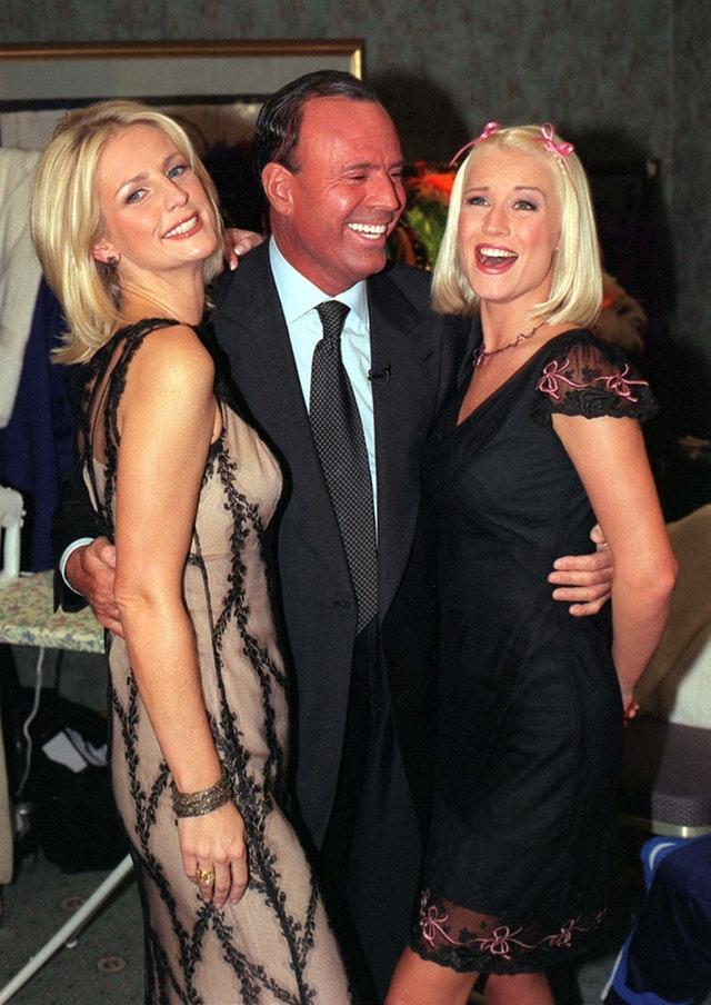 SHOWBIZ Julio, Ulrika, Denise