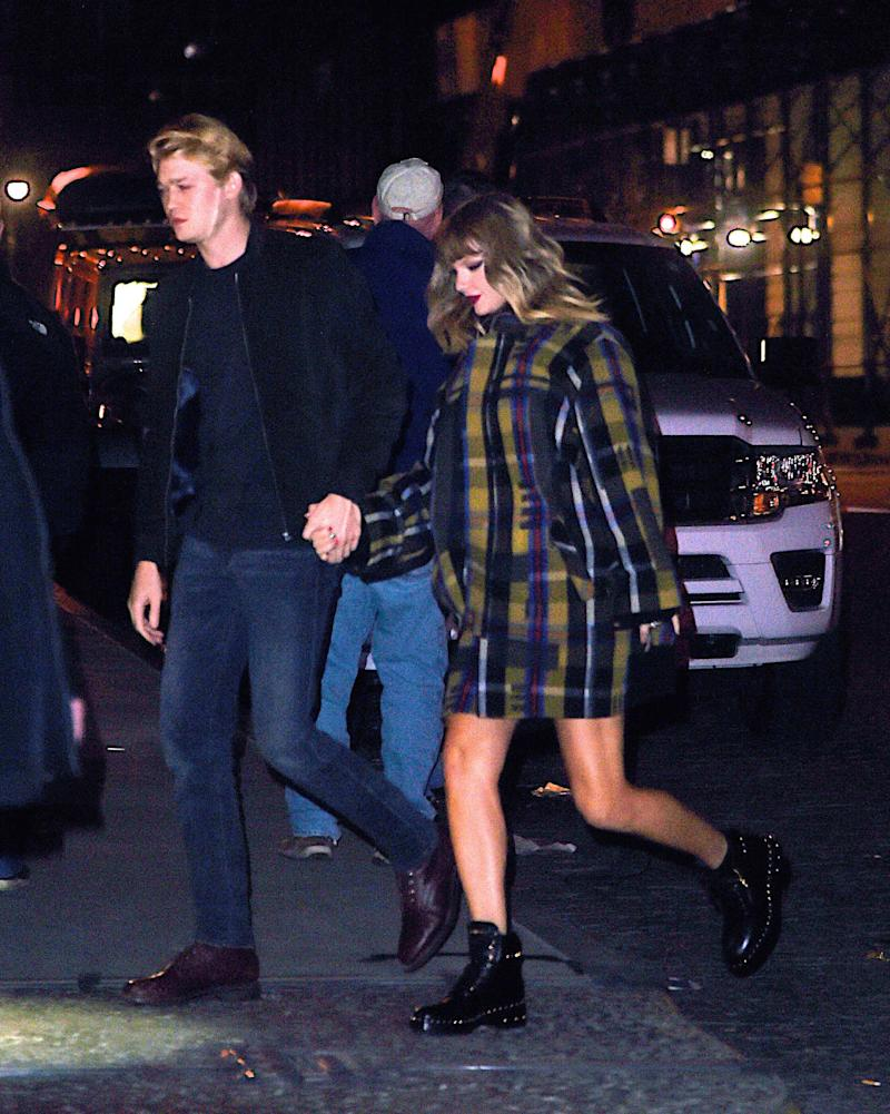 Taylor Swift Holds Hands With Joe Alwyn While Heading Home From Jingle Ball -- See the Sweet Pic!