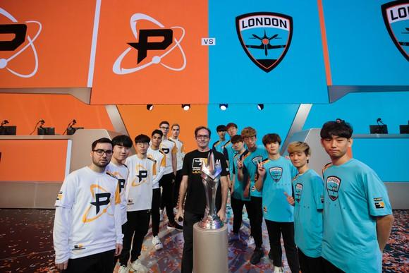 Members of the Philadelphia Fusion and the London Spitfire in a photo shoot before the Overwatch League Grand Finals.