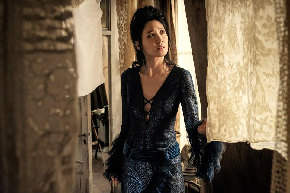 """<p>In November 2020, it was announced that <a href=""""http://www.popsugar.com/entertainment/who-will-play-grindelwald-in-fantastic-beasts-3-47961326"""" class=""""link rapid-noclick-resp"""" rel=""""nofollow noopener"""" target=""""_blank"""" data-ylk=""""slk:Mads Mikkelsen would be replacing Johnny Depp"""">Mads Mikkelsen would be replacing Johnny Depp</a> as Grindelwald in the third film. The rest of the cast includes Eddie Redmayne (Newt Scamander), <a class=""""link rapid-noclick-resp"""" href=""""https://www.popsugar.com/Jude-Law"""" rel=""""nofollow noopener"""" target=""""_blank"""" data-ylk=""""slk:Jude Law"""">Jude Law</a> (Albus Dumbledore), Katherine Waterston (Tina Goldstein), Ezra Miller (Credence Barebone), Alison Sudol (Queenie Goldstein), Dan Fogler (Jacob Kowalski) as well as Jessica Williams as Professor Eulalie """"Lally"""" Hicks, <a href=""""http://deadline.com/2019/11/fantastic-beasts-3-jessica-williams-rio-de-janeiro-brazil-1202777066/"""" class=""""link rapid-noclick-resp"""" rel=""""nofollow noopener"""" target=""""_blank"""" data-ylk=""""slk:who will have a significantly larger role this film"""">who will have a significantly larger role this film</a>. </p>"""