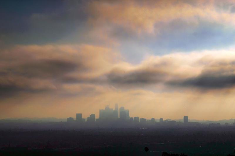 In this Oct. 26, 2018, file photo, downtown Los Angeles is shrouded in early morning coastal fog and smog.  (ASSOCIATED PRESS)
