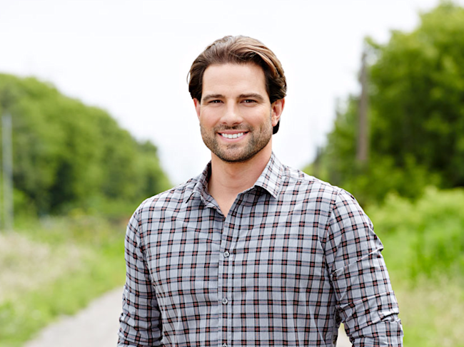 An hgtv star who 39 s invested in over 100 properties for Scott mcgillivray