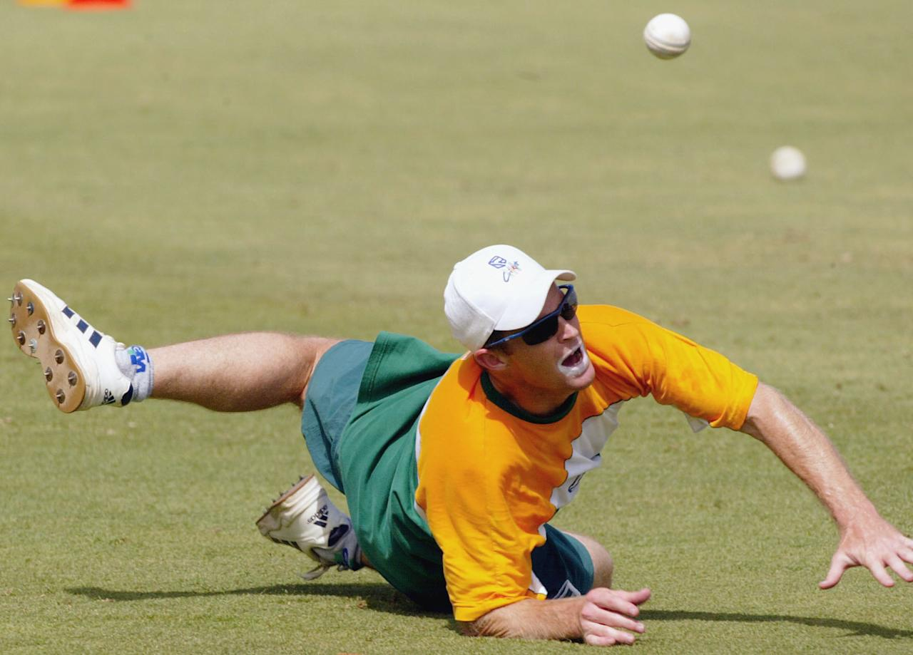 31 Jan 2002:  Jonty Rhodes of South Africa dives after a ball, during training at the WACA ground, Perth, Australia DIGITAL IMAGE Mandatory Credit: Hamish Blair/Getty Images