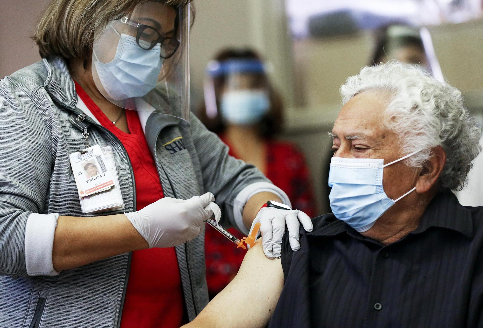 Latino workers, groups blast California officials over Covid-19 vaccine rollout changes - Yahoo News
