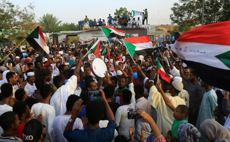News of the coup attempt in Sudan emerged after the ruling military and civilian protesters agreed last week to end a political impasse, sparking celebrations in Khartoum (AFP Photo/ASHRAF SHAZLY)