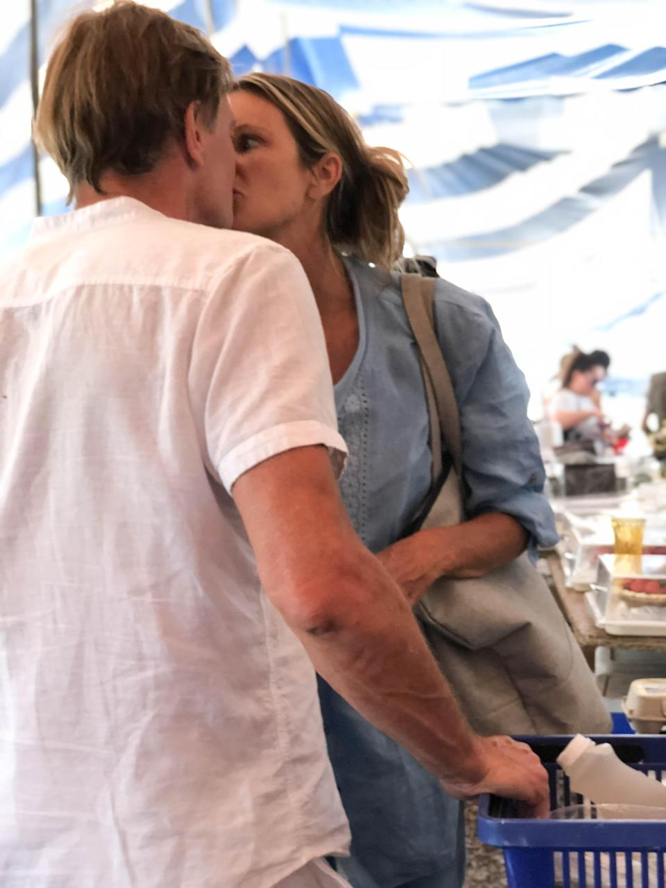 Elle Macpherson was photographed kissing ex-doctor Andrew Wakefield, who lost his medical license due to false claims that the MMR vaccine causes autism. (Photo: Splash News)