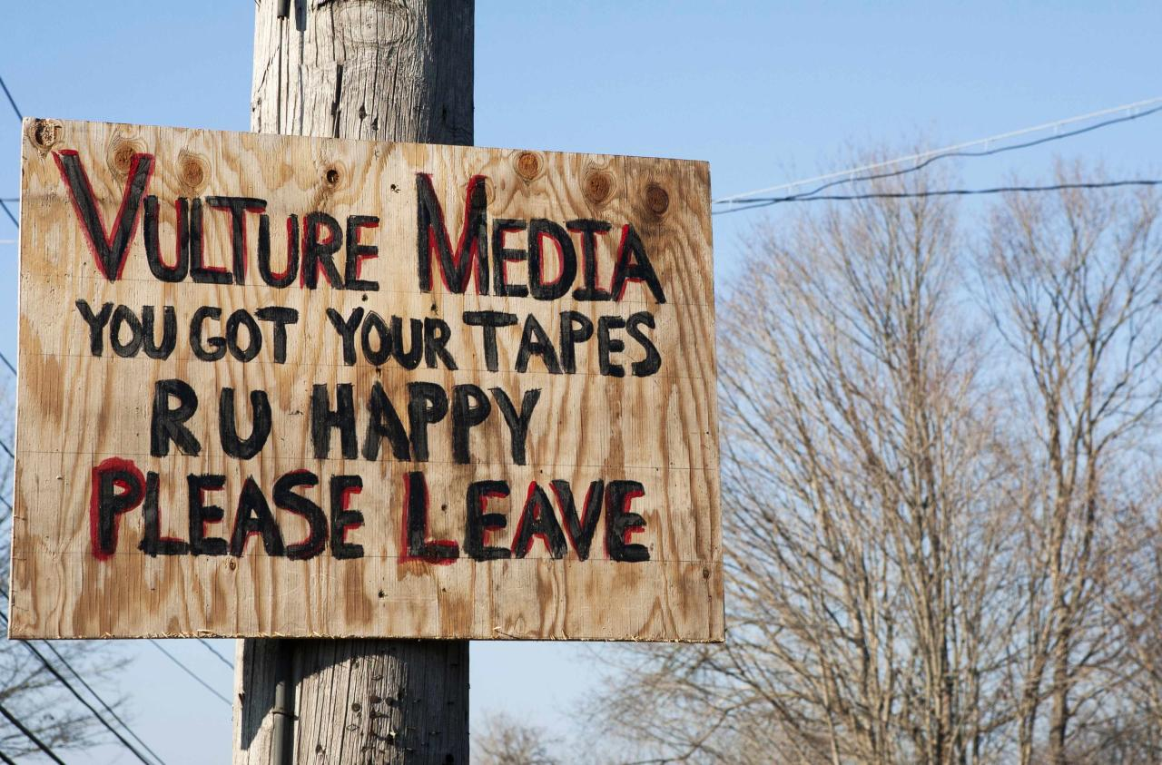 A sign expressing displeasure with the media is tacked on a pole in Newtown, Connecticut December 4, 2013 . Nearly half an hour of 911 recordings from the shooting that killed 20 children and six adults at Sandy Hook Elementary School last December 14 were ordered released by the state Freedom of Information Commission . REUTERS/Michelle McLoughlin (UNITED STATES - Tags: EDUCATION CRIME LAW)