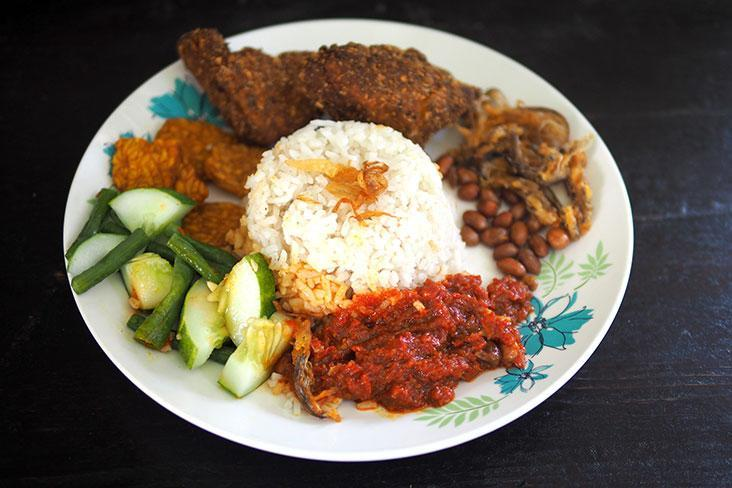 Even if you're on a plant-based diet, you can still enjoy 'nasi lemak' from Foodbae – Pictures by Lee Khang Yi
