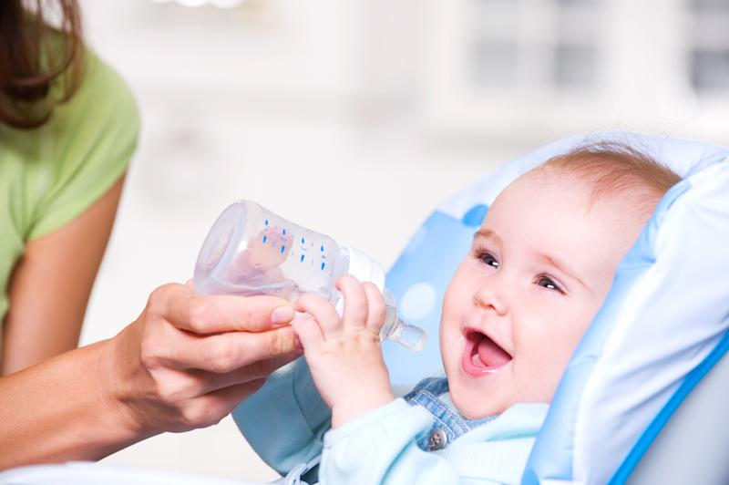 Newborn babies should not be given water. [Photo: Getty]