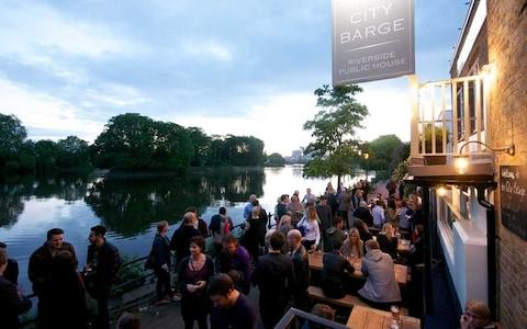 City Barge Chiswick beer garden - Credit: City Barge