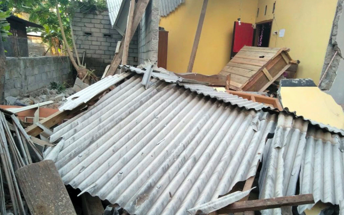 <em>Damage caused by the early morning earthquake (AP)</em>