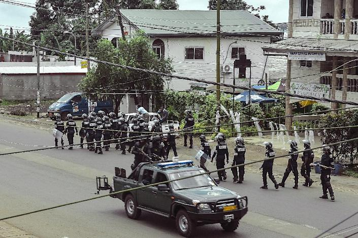 File picture of security forces in Buea, the capital of Southwest Region, after separatists declared an anglophone state on October 1 2017 (AFP Photo/STRINGER)