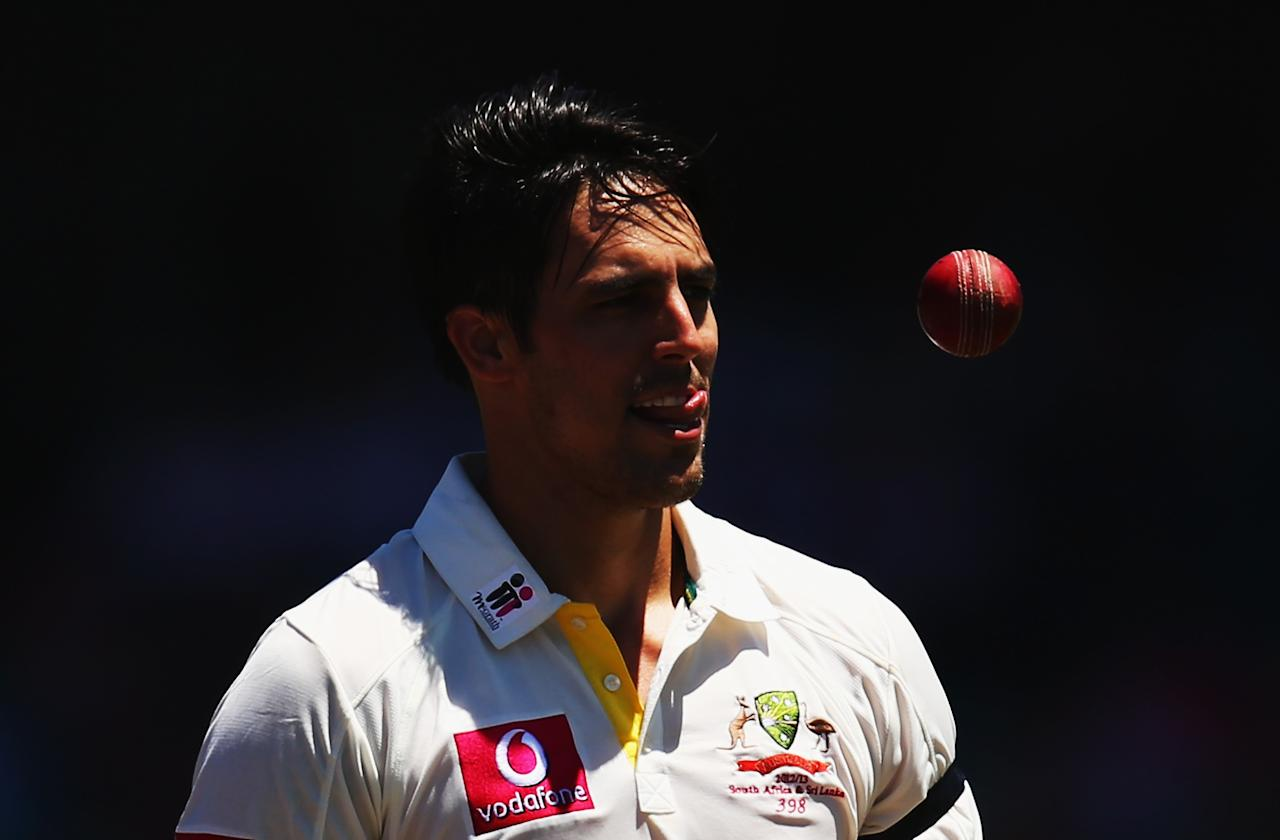 SYDNEY, AUSTRALIA - JANUARY 05:  Mitchell Johnson of Australia prepares to bowl during day three of the Third Test match between Australia and Sri Lanka at Sydney Cricket Ground on January 5, 2013 in Sydney, Australia.  (Photo by Ryan Pierse/Getty Images)
