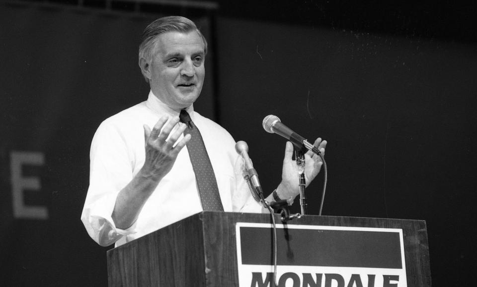 Candidate for president Walter Mondale on the campaign trail at San Jose State University September 4, 1984.  (Brant Ward/The San Francisco Chronicle via Getty Images)