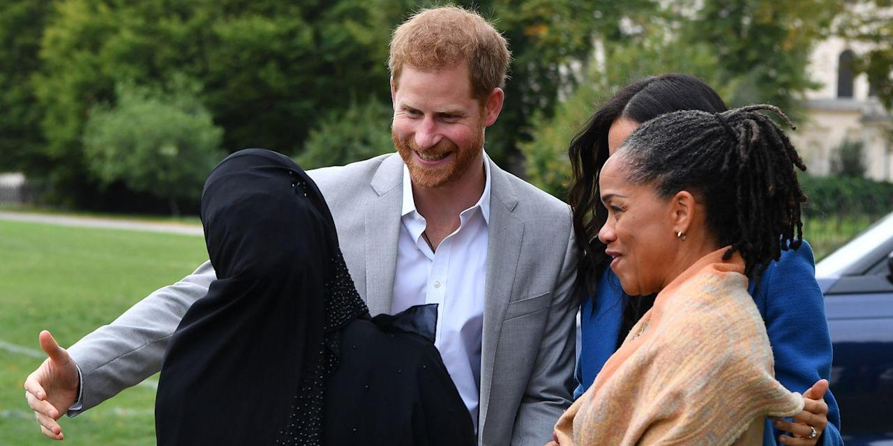 نتيجة بحث الصور عن ‪Prince Harry caught in awkward kiss exchange at launch of 'Together‬‏