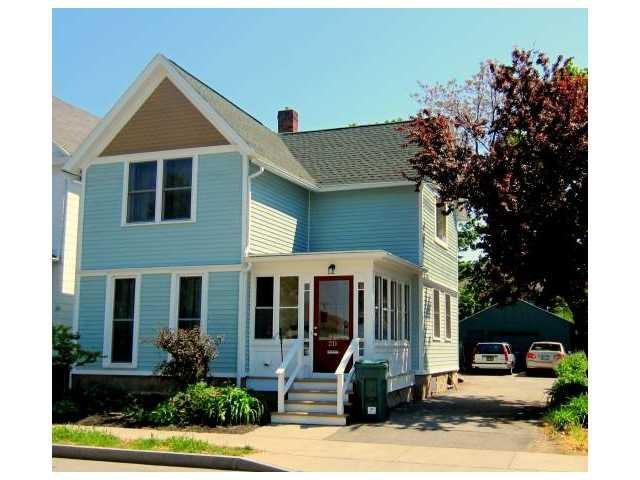 "<a href=""http://yhoo.it/ZQ2XDz"" target=""_blank"">Rochester</a>, NY<br /> <a href=""http://yhoo.it/ZQ2MrR"">211 Henrietta St, Rochester, NY</a><br /> For sale: $109,000<br /><br /> Turquoise paint carries a Cape Cod feel throughout this 1930s home in Upstate New York. A beautiful enclosed porch greets visitors, followed by french doors leading into an updated kitchen and living room with hardwood floors and exposed brick.<br /><br /> <strong><a href=""http://yhoo.it/ZQ2MrR"" target=""_blank"">Click here to go to the listing</a> with several more photos and details. Or <a href=""http://yhoo.it/ZQ2XDz"" target=""_blank"">click here to see all Rochester listings</a>.</strong>"