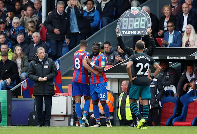<p>Crystal Palace's Bakary Sako comes on as a substitute to replace Ruben Loftus-Cheek </p>