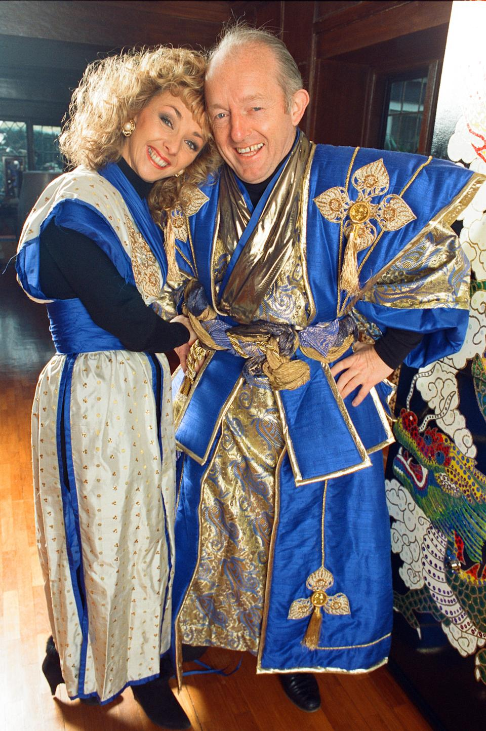 Magician Paul Daniels and his wife Debbie McGee pictured at home. 13th December 1991. (Photo by Ken Lennox/Mirrorpix/Getty Images)