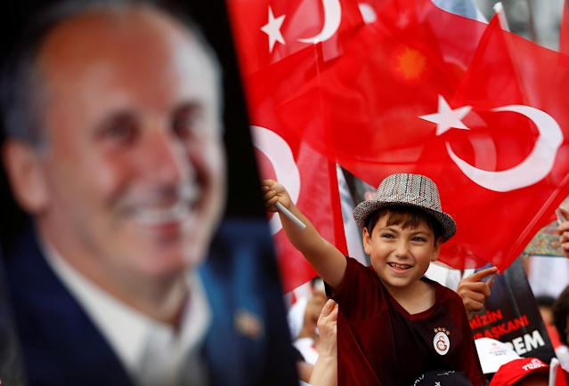 A young supporter of Muharrem Ince, presidential candidate of Turkey's main opposition Republican People's Party (CHP), attends an election rally in Istanbul, Turkey June 23, 2018. REUTERS/Osman Orsal TPX IMAGES OF THE DAY